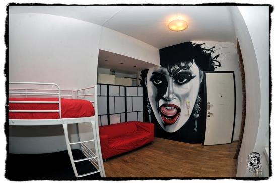 The-MadHouse-Hostel-Prague-Themed-Room