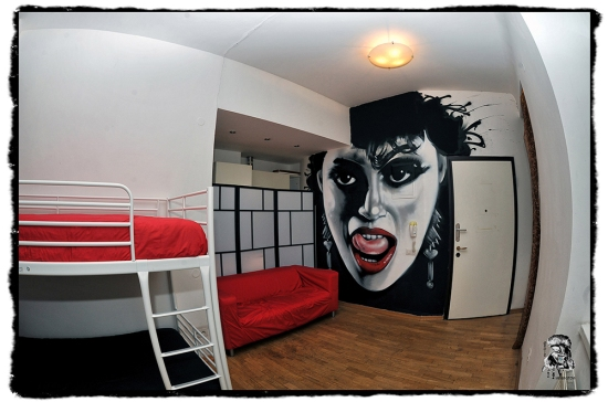 The-MadHouse-Hostel-Prague-Themed-Room