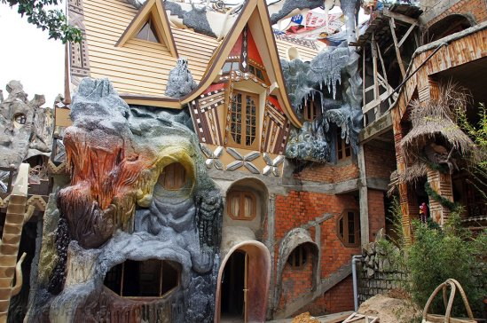 dalat-crazy-house2