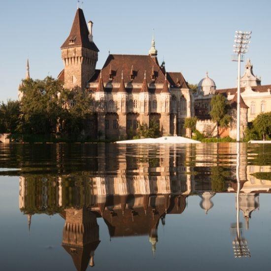 vajdahunyad-castle-budapest-all-year